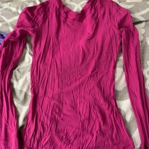 Long sleeve fish is lululemon running top size 2